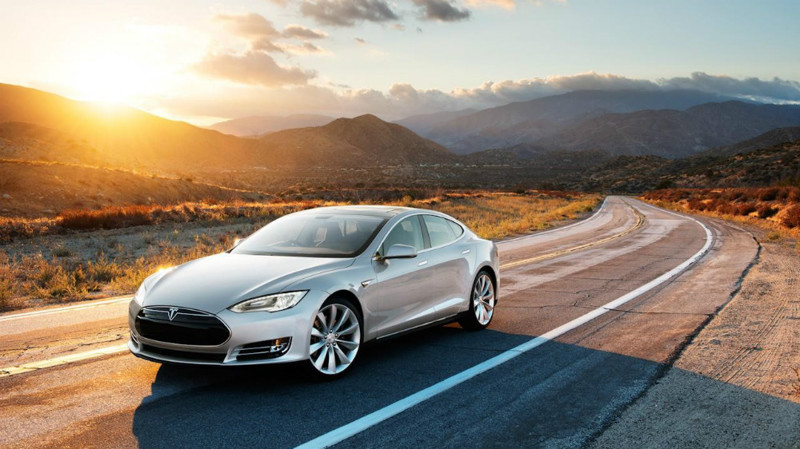 1. Tesla Model S — от 5 000 000 рублей. авто, электроавтомобили