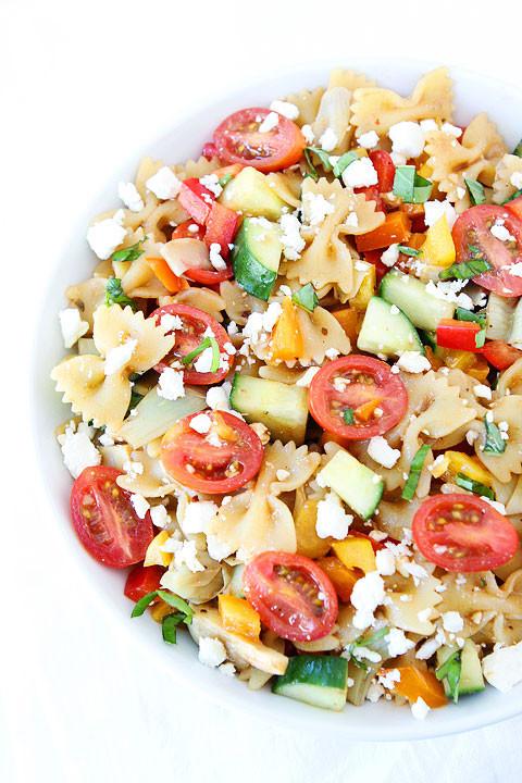 1. Салат из пасты и овощей паста, рецепт