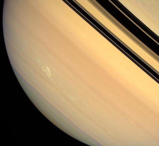 Долгоживущая гроза на поверхности Сатурна. кассини, космос, мир, сатурн